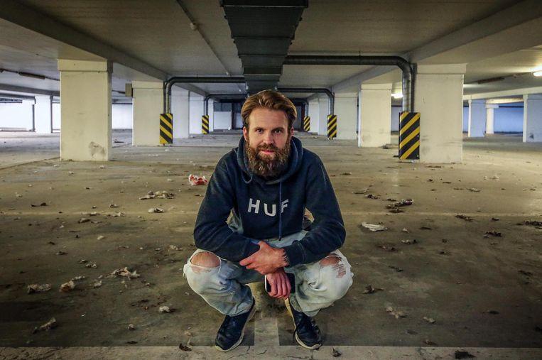 Shaun Vanderplancke opent een nachtclub in de parking onder het gewezen ziekenhuis Sint-Maarten tijdens de internationale designbeurs Interieur.