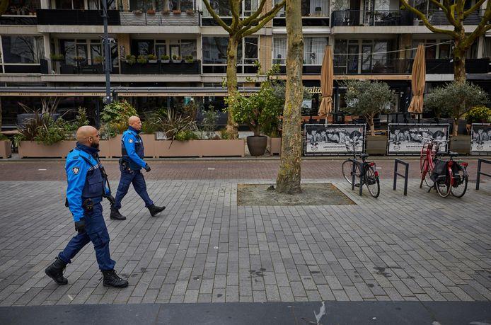 Gemeentelijke handhavers in Rotterdam.
