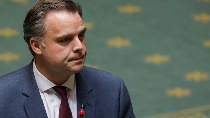 """Minister De Backer: """"3 miljoen FFP2-maskers voldoen niet aan kwaliteitseisen"""""""