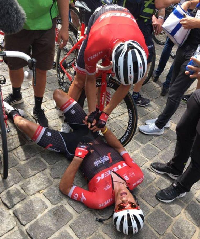 Jasper Stuyven was compleet uitgeteld na zijn knappe overwinning.