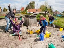 Stapstenen weggenomen bij speeltuin in Oud-Vossemeer