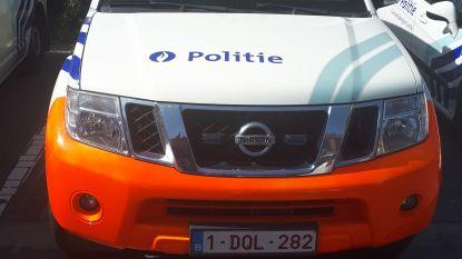 Politie legt schoolbus aan de ketting