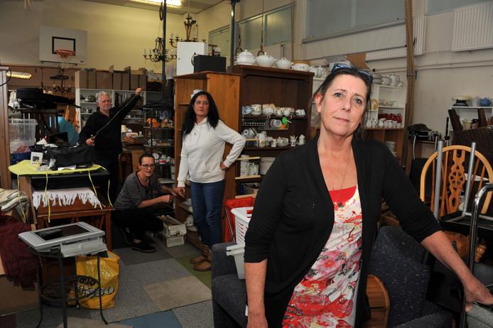 Suzan de Groot en haar vrijwilligers moeten de school aan de Bosboom Toussaintstraat verlaten en op zoek naar een nieuwe locatie voor Geef het Dordt.