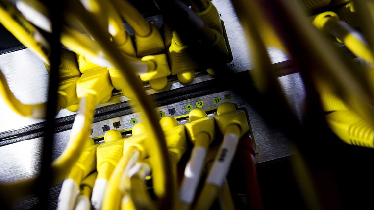 Kabels in een computerruimte. Beeld anp