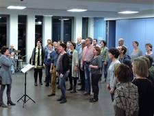 Zanggroep Vocalis Haaren viert jubileum met theaterconcert in Tiliander Oisterwijk