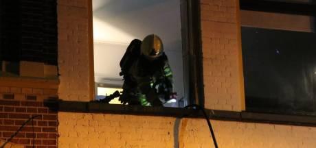 Brand in studentenpand Zwolle: woningen ontruimd, één persoon naar ziekenhuis
