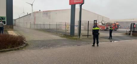 Veel rook bij brand Raab Kärcher in Kampen
