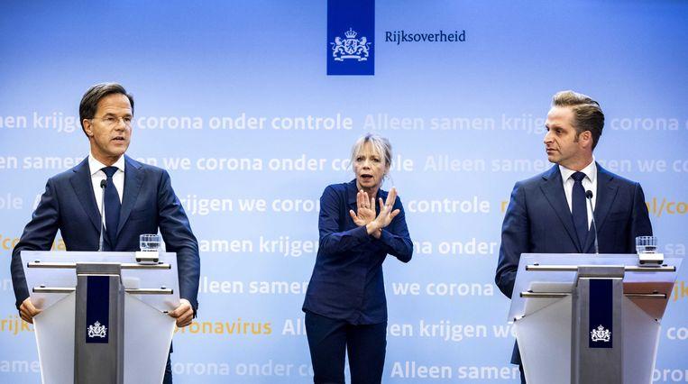 Premier Mark Rutte en gezondheidsminister Hugo de Jonge tijdens een persconferentie over de huidige stand van zaken omtrent het coronavirus in Nederland.  Beeld ANP