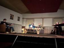 Theatergroep YrroS! boeit met Familie van Maria Goos