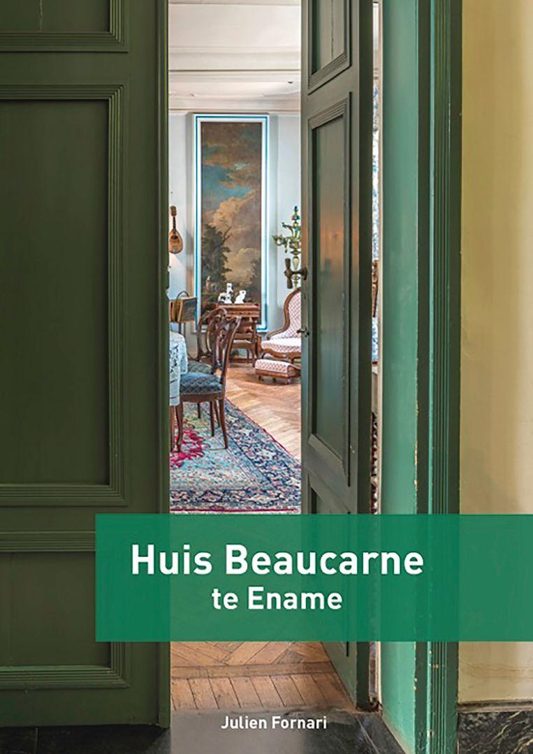 Fraaie foto's tonen het interieur van het 18de eeuwse herenhuis.
