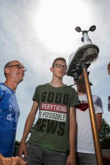 Hitterecord uit Warnsveld houdt stand onder de ogen van Warnsveldse scholieren