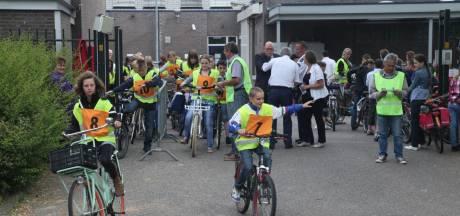 Tiel bungelt onderaan op lijst van veiligste fietssteden voor kinderen