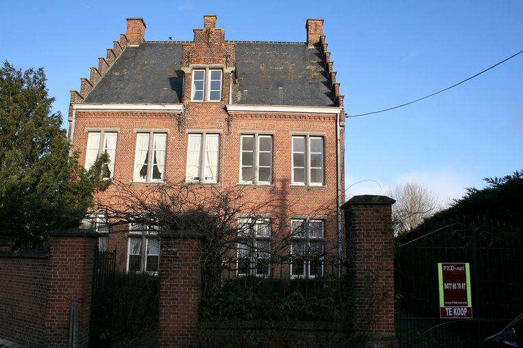 Door de rechtszaak is de verkoop van de pastorij in Daknam tot nader opgeschort.