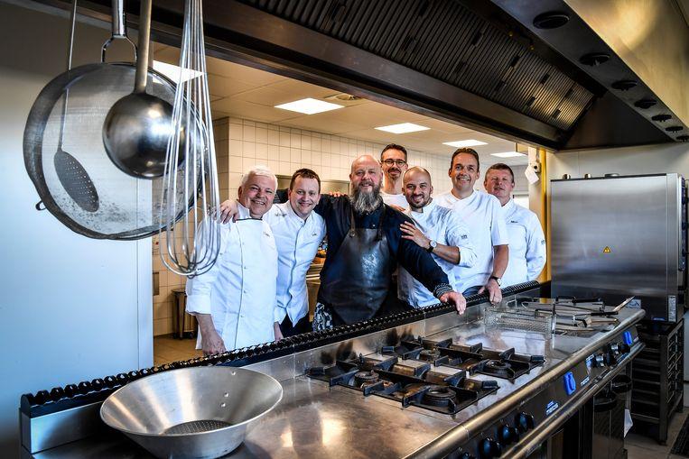 Elke chef maakt een gerecht. De opbrengst gaat naar de vzw Eindelijk.
