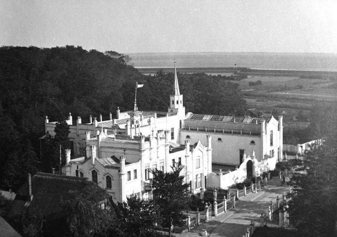 Het buiten Zorgvliet in Ellewoutsdijk, na de uitbreiding van 1880.