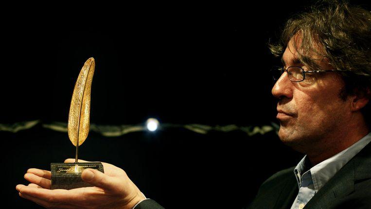 Joost Zwagerman tijdens de uitreiking van de Gouden Ganzenveer in 2008 Beeld anp