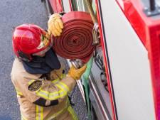 Auto vat vlam in McDrive in Hoogeveen