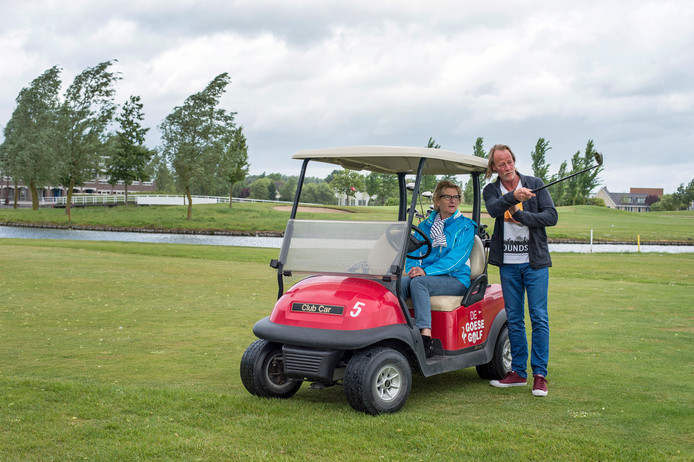 Marty Heijboer en Jannie Ots met ms op de Goese Golf.