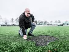 Kunstgrasveld Concordia Wehl vernield met vuurwerk: 'In- en intriest'