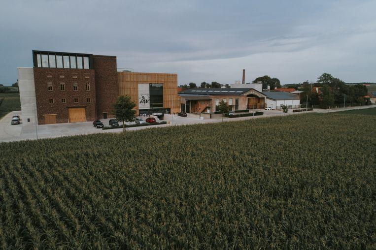 Brouwerij St.-Bernardus kende afgelopen jaar een groei van 7%. Samen met deze groei, de uitbreiding van de infrastructuur en de opstart van 'Bar Bernard' groeide ook het aantal personeelsleden.