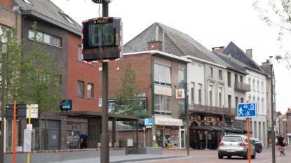 De gemeente investeert verder in 'slimme' snelheidsborden om in kaart te brengen waar verkeer over de limiet gaat