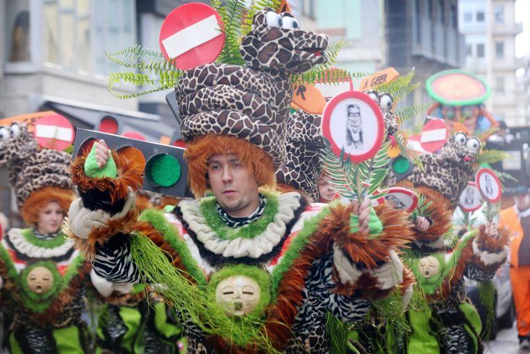Een kleurrijke bende tijdens de carnavalsstoet van vorig jaar.