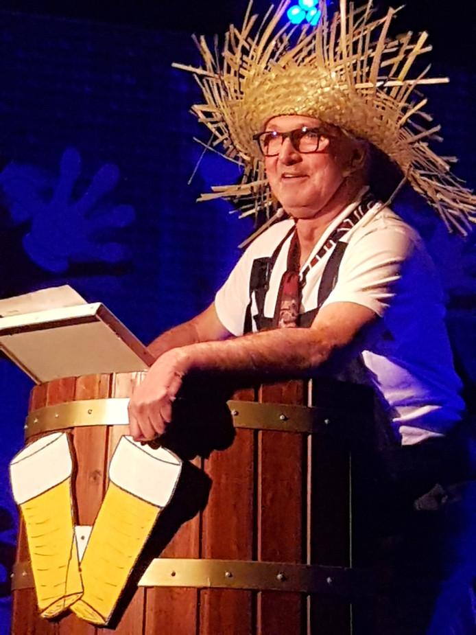 Tonprater Jan Bax in zijn rol als tuinman.