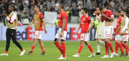 Benfica druipt af.