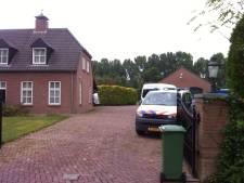 Politie vindt wapens bij doorzoekingen in onderzoek mishandeling Tommie van der Burg (video)