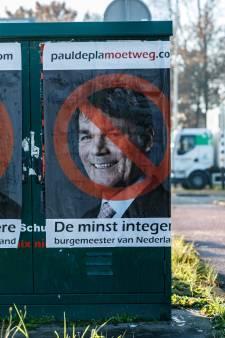 Depla-posterplakker: 'Leg me maar aan leugendetector, ik weet niet wie de opdracht gaf'