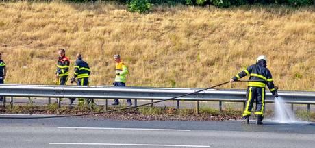 Bermbrand bij A58 Tilburg zorgt voor fikse vertraging