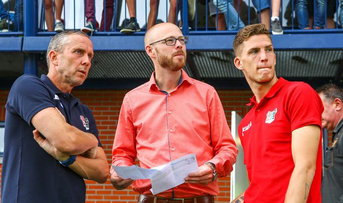 De huidige assistent Adrie Bogers, technisch directeur Remco Oversier en speler Kevin Jansen van NEC (v.l.n.r.).