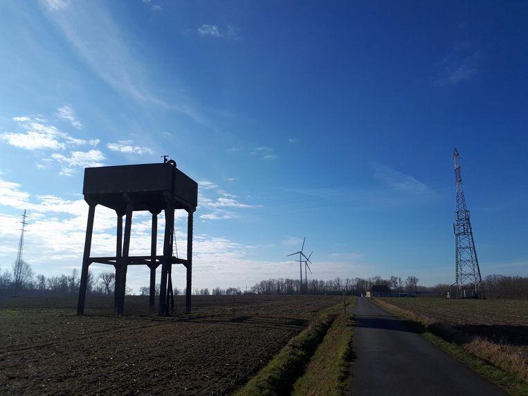 De oude vlaswatertoren aan de Klare Grachtstraat.