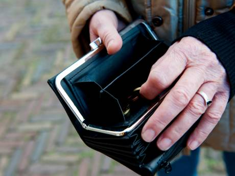 Bejaard stel uit Utrecht online voor bijna 20.000 euro opgelicht door 'Amerikaanse soldaat'