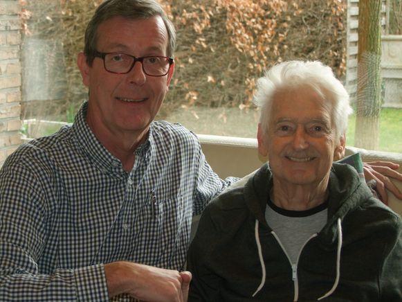 Roger De Lentdecker (rechts) gaf in maart nog het voorzitterschap van N-VA Zemst door aan Johan Fluit.