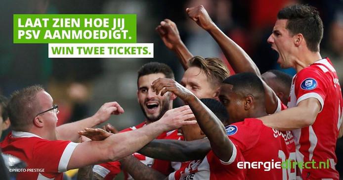 De op Facebookpost met links (met bril) PSV-fan Alwin van Ampting.