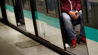 Volautomatische metro rijdt 3 Parijse stations voorbij: paniek bij inzittenden