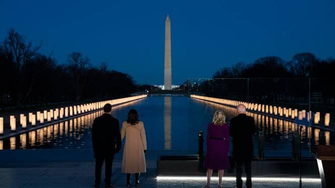 Biden en Harris houden eerbetoon voor 400.000 Amerikanen die aan Covid-19 overleden