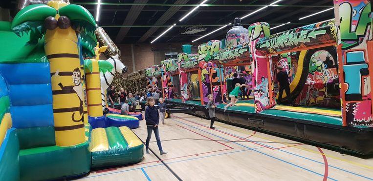 Nu vrijdag is er een springkastelenfestival in de Lierse sporthal De Komeet. Deze foto werd vorig jaar gemaakt tijdens de eerste editie van het evenement.