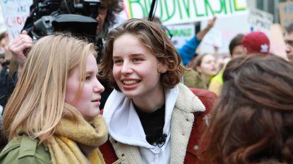 Anuna De Wever en Kyra Gantois ontvangen Arkprijs van het Vrije Woord