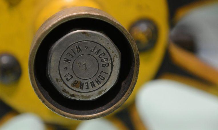 De inscriptie 'P1' op de wielas van de eerste Porsche. Beeld epa