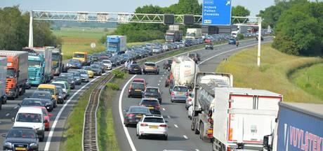 Veel vertraging op A28 tussen Harderwijk en Nijkerk door aanrijdingen