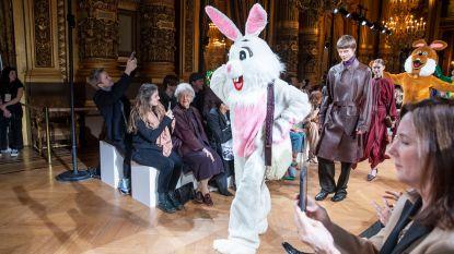 Stella McCartney stuurt konijnen en koeien de catwalk op
