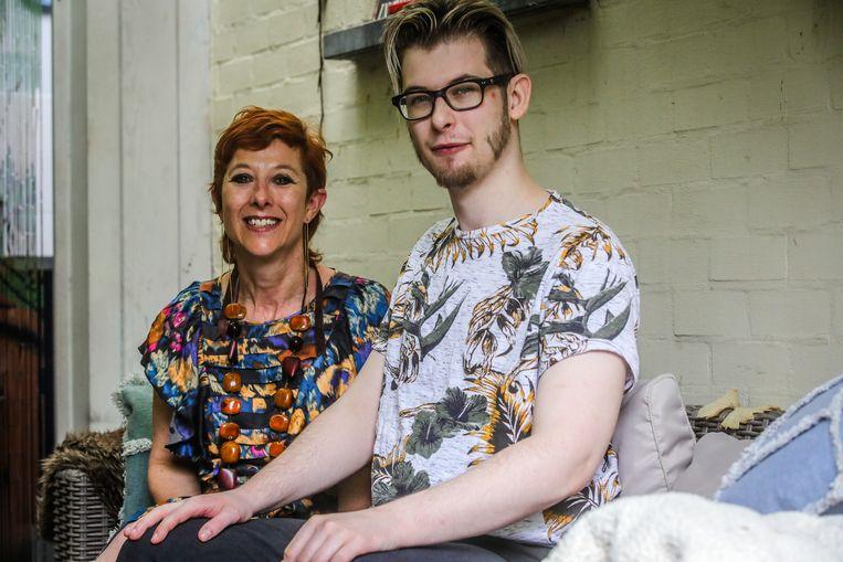 Sabrine Desaever en haar zoon Tristan Vandeputte.