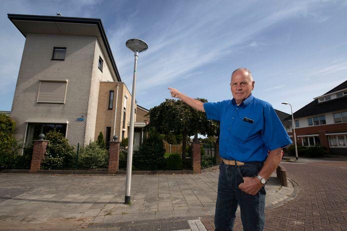 Bewoners van de wijk De Erven zijn helemaal klaar met de problemen rond de straatverlichting.