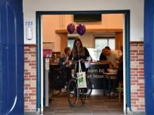 Geen examens, wel de vlag uit: zo viert Twente deze bijzondere 'slaagdag'