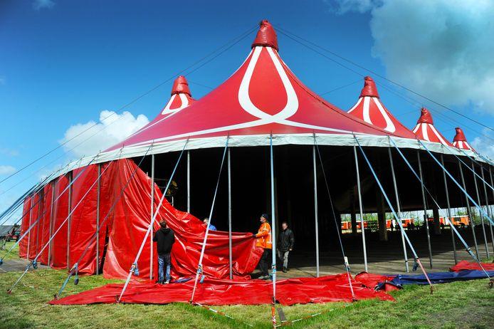 ldm04/05/2019 - Grijpskerke - opbouw tenten HRIEPS