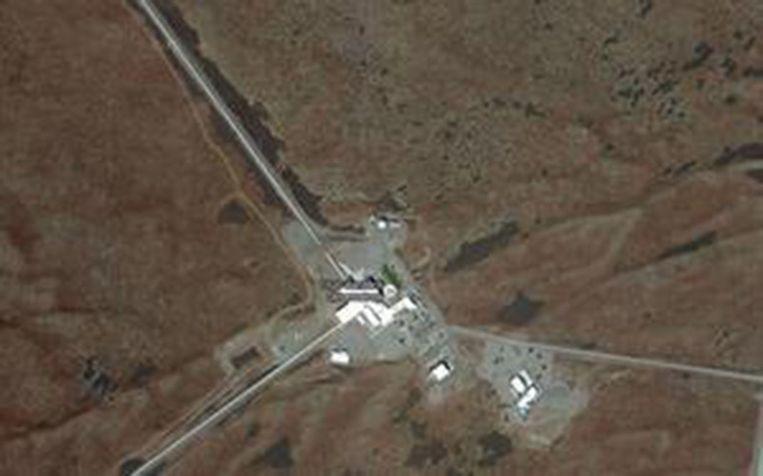 De LIGO-detector bestaat uit twee buizen van elk vier kilometer lengte.