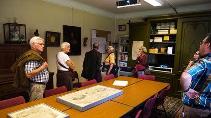 200 volkskundigen brengen bezoek aan gemeente