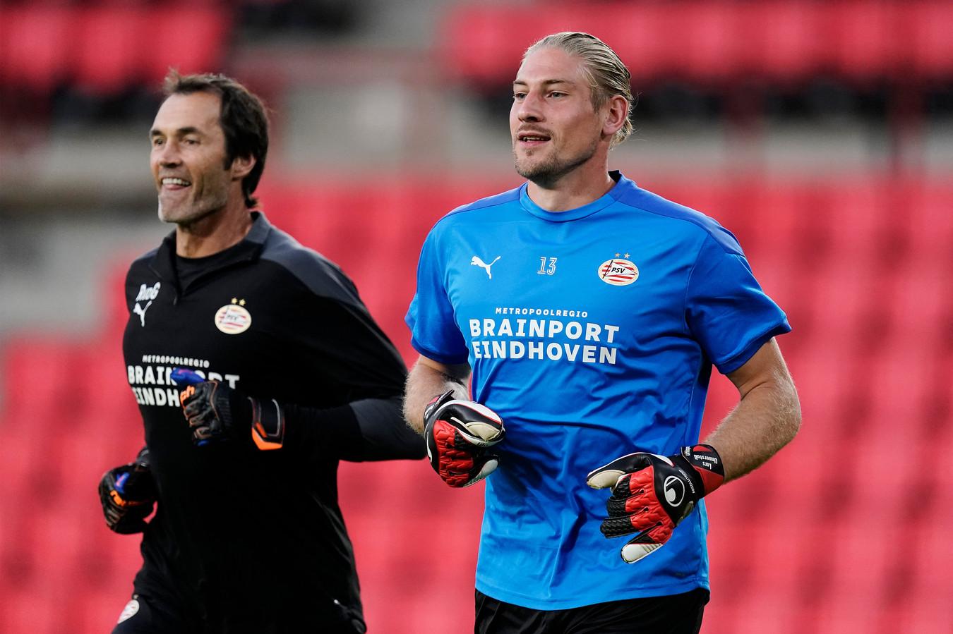 Keeperstrainer Raimond van der Gouw en goalie Lars Unnerstall.